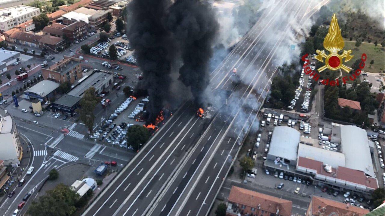 🇮🇹 Bologne : Explosion d'un camion-citerne sur le pont de l'A14