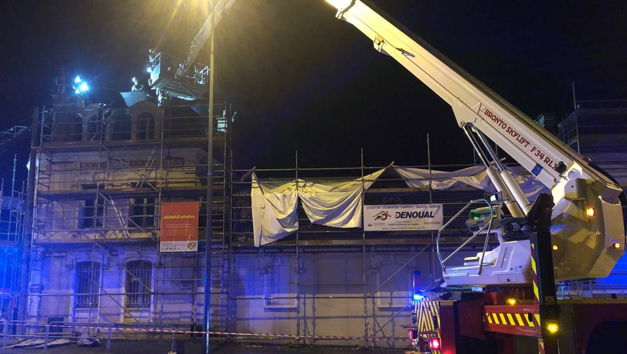 🇫🇷 Rennes (35) : Un bâtiment en travaux s'enflamme