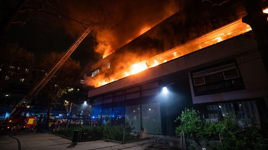 🇫🇷 Paris (75) : Une spectaculaire explosion dans un immeuble ne fait pas de victime