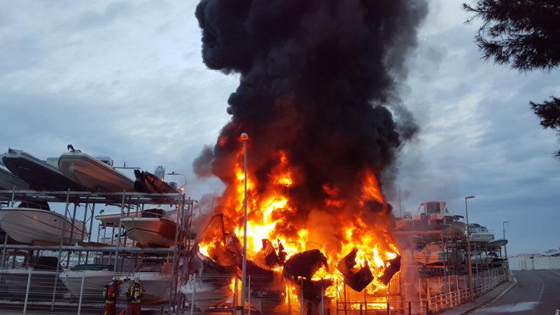 🇫🇷 Marseille (13) : Incendie dans le port de la Pointe-Rouge