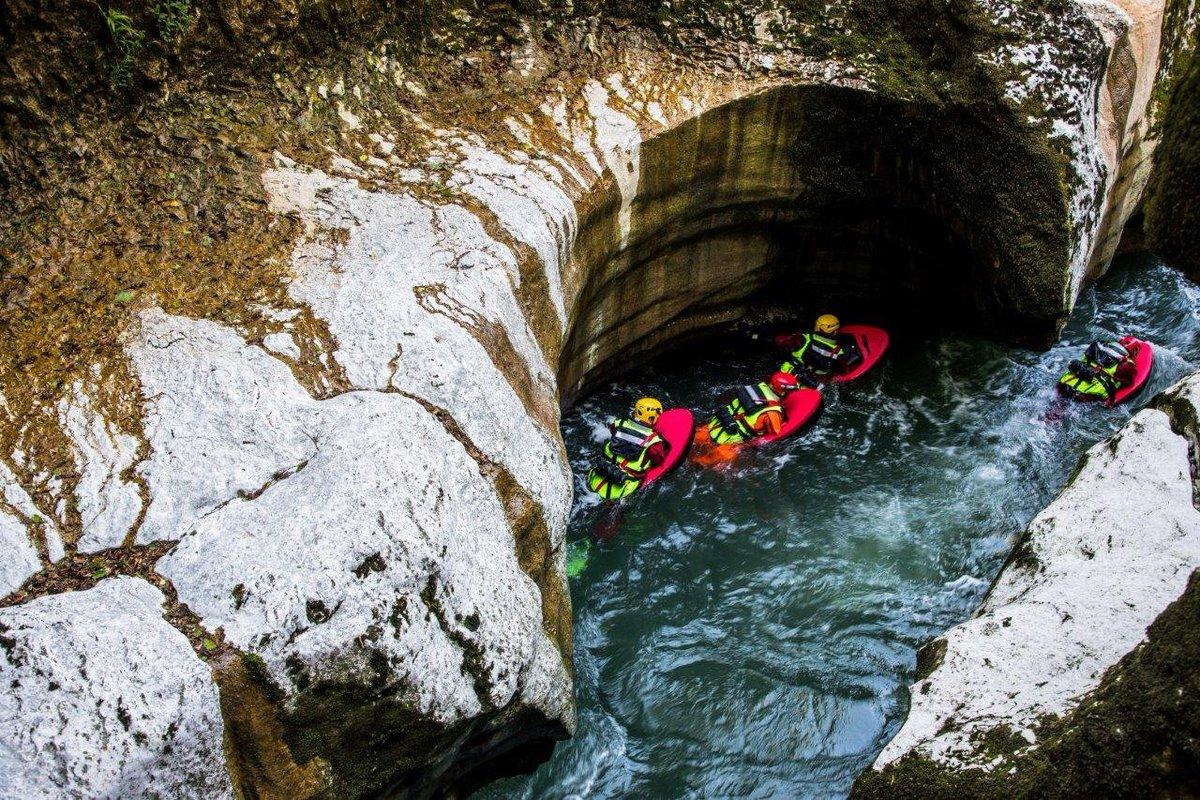 🇫🇷 Lovagny (74) : Il perd la vie en voulant sauver sa fille de la noyade dans les gorges du Fier