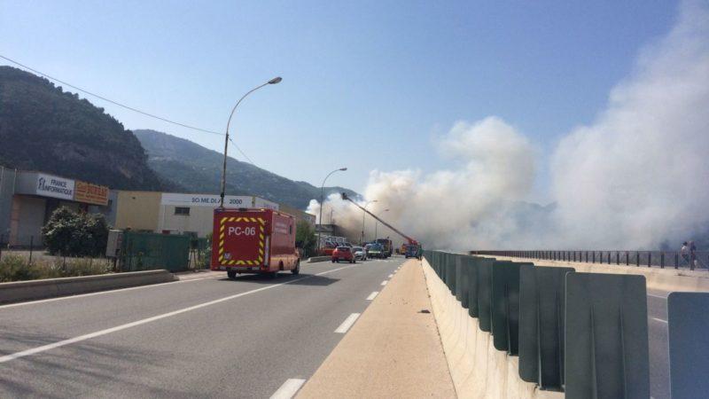 🇫🇷 Carros (06) : Deux entreprises détruites par un incendie