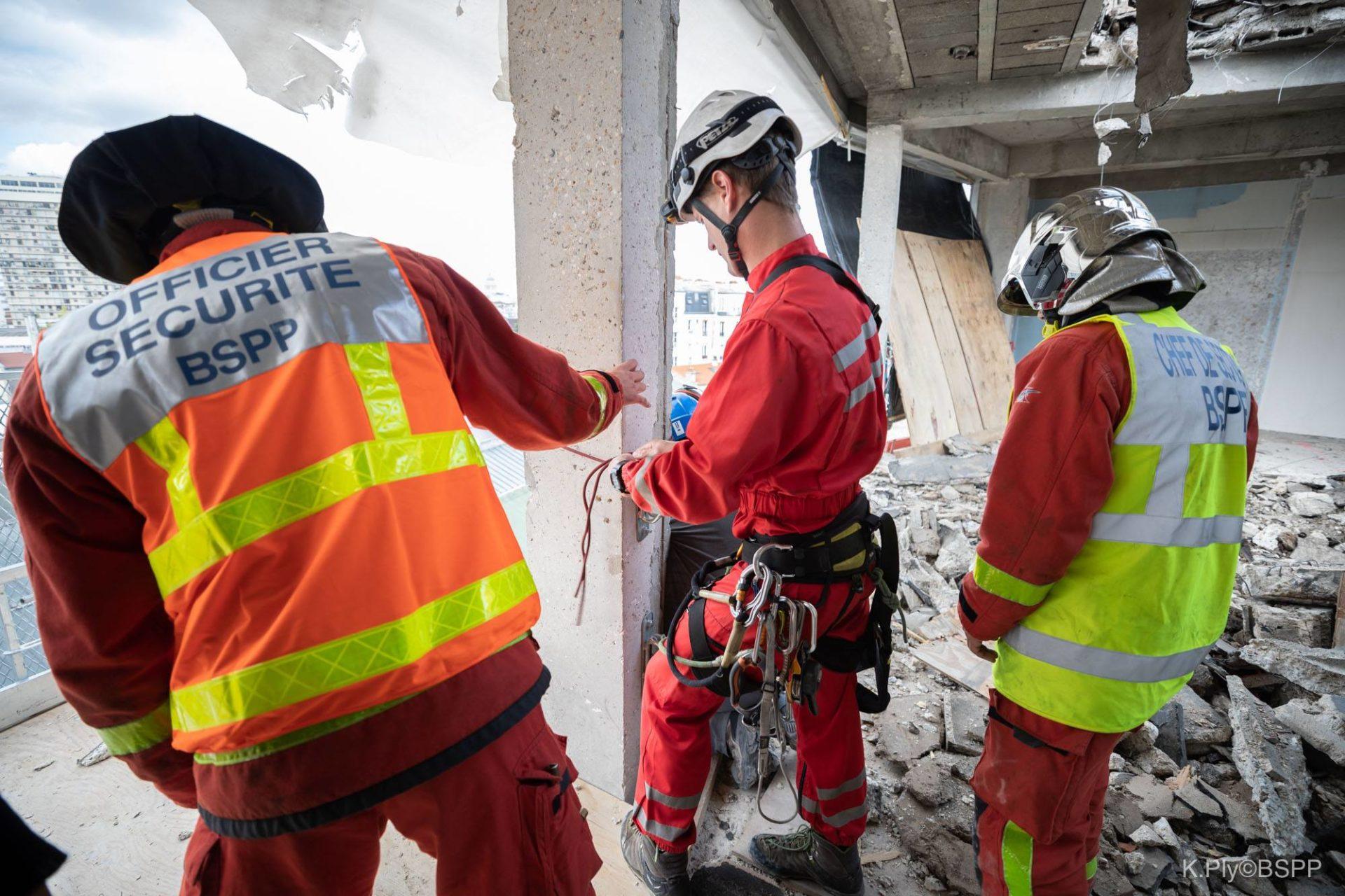 🇫🇷 Paris (75) : Un mort et trois blessés graves dans l'effondrement d'un échafaudage